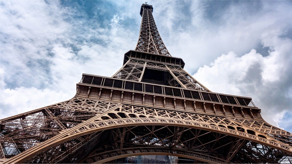 eiffel-tower-984733_960_720